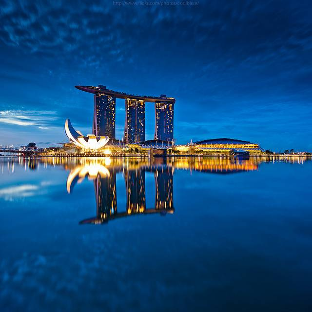 15 examples of modern architecture singapore hong kong for Marina bay sands architecture concept